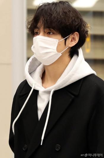 [사진]BTS 뷔 '눈빛미남'