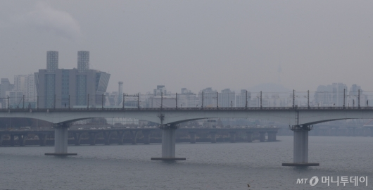 [사진]흐린 날씨와 미세먼지