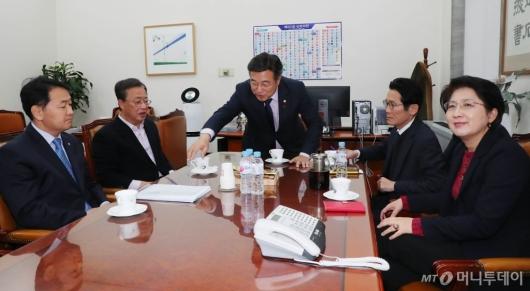 [사진]여야 4+1 선거법 협의체 회동