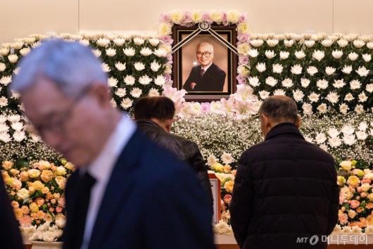 [사진]故 김우중 전 대우그룹 회장 빈소 찾은 조문객들