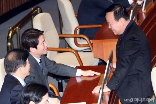 [사진]이야기하는 이인영-김재원