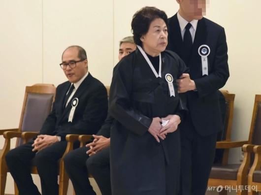 [사진]김우중 전 대우그룹 회장 별세...슬픔에 잠긴 유가족들