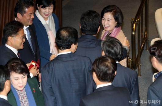 [사진]밝게 웃는 추미애 법무부 장관 후보자
