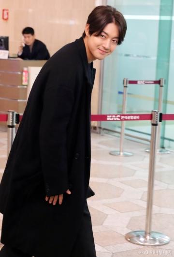 [사진]김현중 '오랜만이에요!'