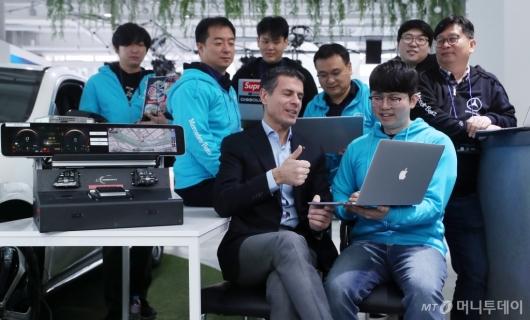 [사진]메르세데스 벤츠 '커넥티드카 스타트업 해커톤 대회' 개최