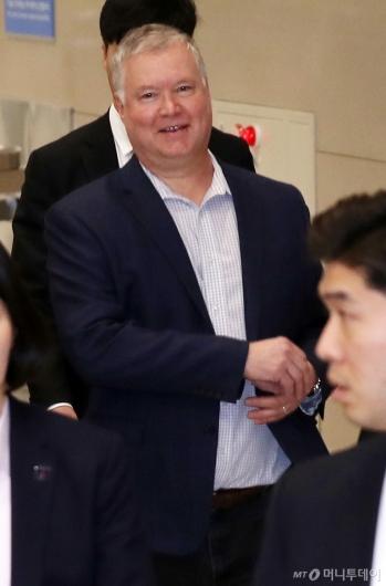 [사진]스티븐 비건 방한, 16일 文대통령 접견
