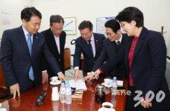 """'4+1' 선거법 협상 사실상 결렬…<br>""""조정안 더이상 추진않기로"""""""