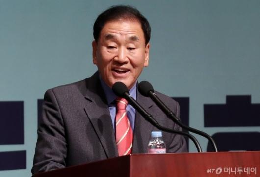 [사진]발언하는 이재오 창립준비위원장