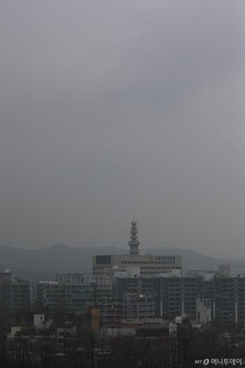 [사진]초미세먼지로 흐려진 도심