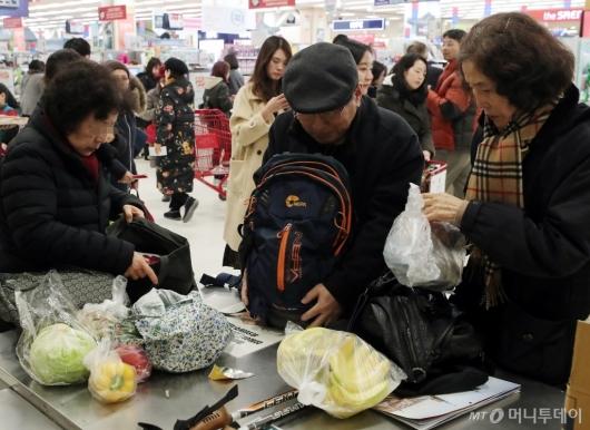 [사진]'테이프-끈 박스포장 대신 내 가방에'