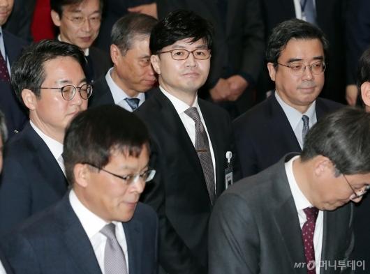 [사진]한동훈 부장 '추미애 신임 법무부 장관 취임식 참석'