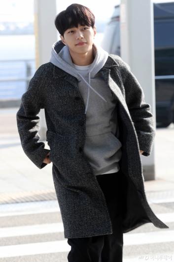 [사진]김명수 '만화 속 주인공처럼'