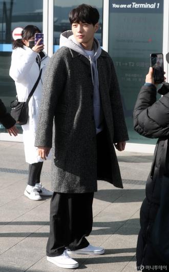 [사진]김명수 '자연스런 포즈'