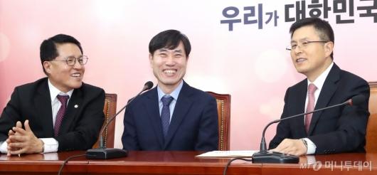 [사진]웃음 가득한 황교안-하태경