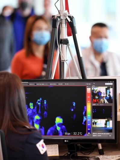 [사진]인천공항, 중국발 폐렴 관련 검역 강화
