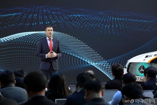 [사진]2020 전략 발표하는 디미트리스 실라키스 대표