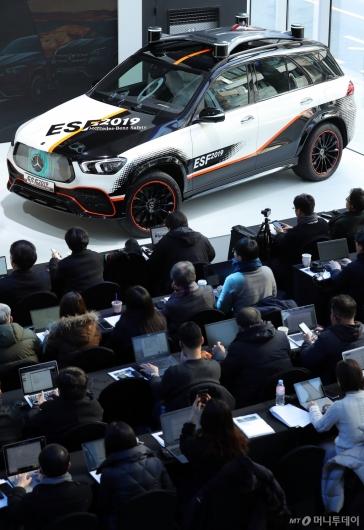 [사진]자율주행 안전실험 차량 'ESF 2019'