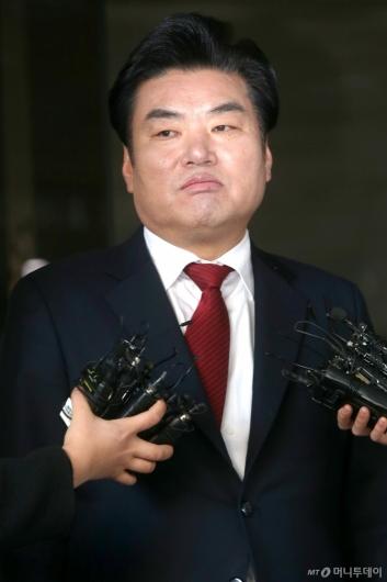 [사진]원유철, 징역 10월 선고...확정되면 의원직 상실