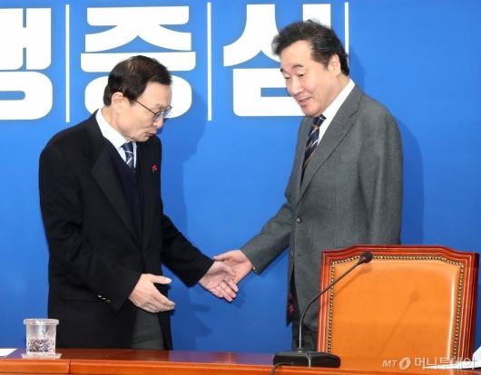 [사진]이낙연, 민주당 최고위 참석