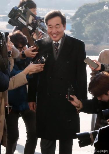 [사진]국회로 돌아온 이낙연 전 총리