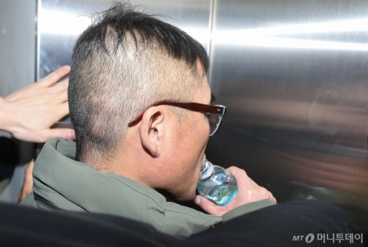 [사진]'속 타는 김건모'