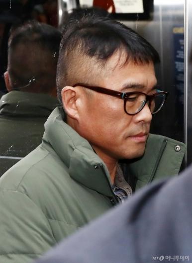 [사진]김건모 '묵묵부답'