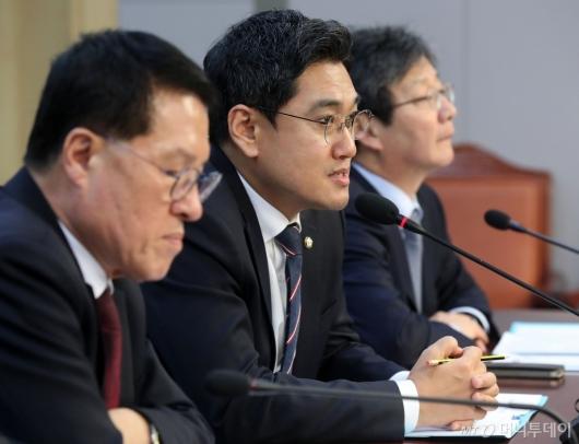 [사진]발언하는 오신환 공동대표