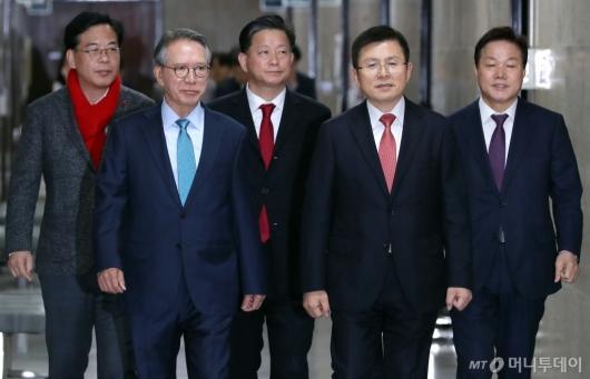 [사진]첫 회동 갖는 황교안-김형오