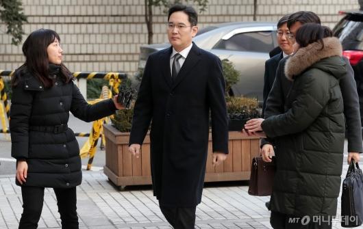 [사진]이재용 삼성전자 부사장 '4차 공판 출석'