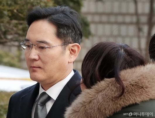 [사진]이재용 부회장 '굳게 다문 입'