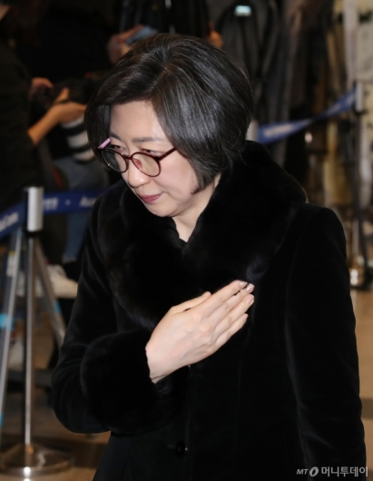 [사진]조문 마친 최은영 전 한진해운 사장