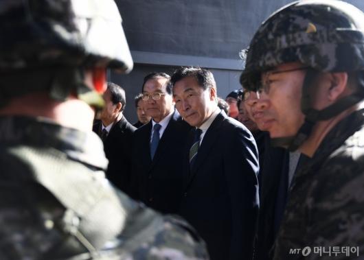 [사진]군부대 방문한 손학규 대표