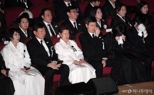 [사진]슬픔에 잠긴 故 신격호 명예회장 유가족들