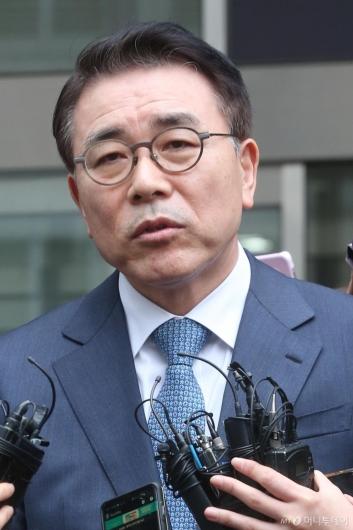 [사진]'채용비리 혐의' 조용병 신한금융지주 회장 1심 유죄 선고
