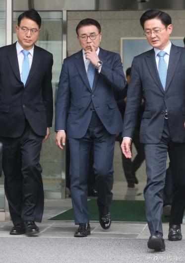 [사진]1심 유죄 선고 받은 '채용비리 혐의' 조용병 신한 회장