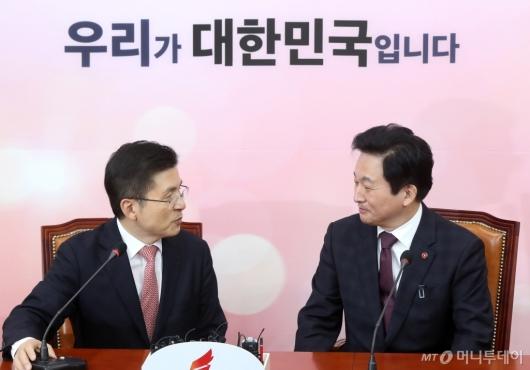 [사진]대화하는 황교안-원희룡
