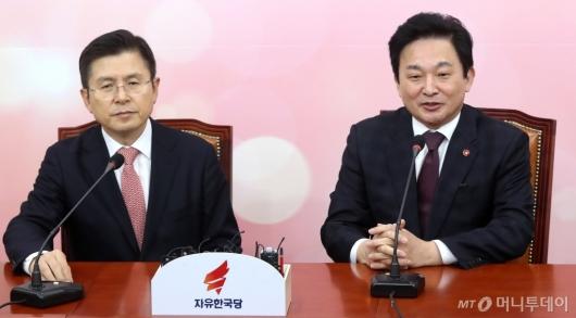 [사진]황교안 찾아 발언하는 원희룡