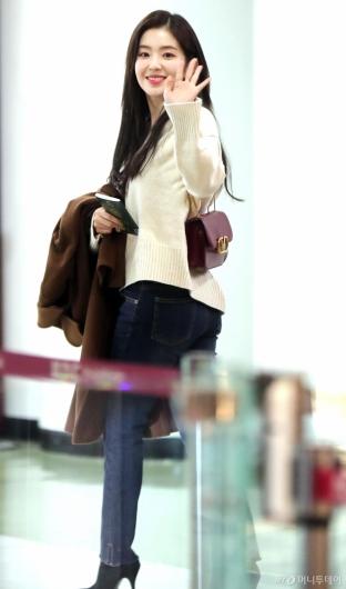 [사진]아이린 '팬심 울리는 인사'