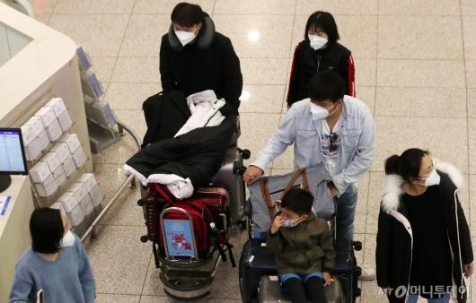 [사진]'우한 폐렴' 필수가 된 마스크