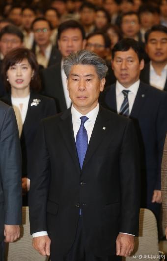 [사진]27일만에 취임식하는 윤종원 기업은행장