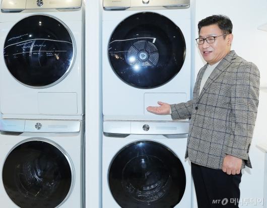[사진]그랑데 AI 소개하는 이재승 부사장