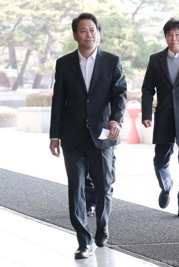 [사진]임종석 전 비서실장 '검찰 출석'