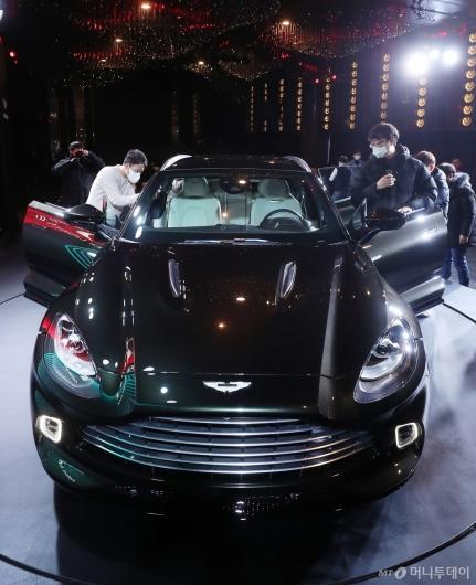[사진]관심 쏟아진 애스턴마틴 최초 SUV 'DBX'