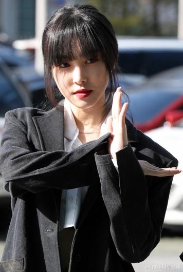 [사진]유주 '카리스마 눈빛'
