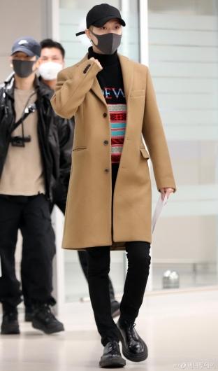[사진]슈퍼엠 태민 '새벽에도 멋짐은 유지중'