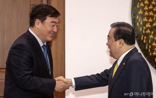 [사진]국회 방문한 싱하이밍 주한중국대사