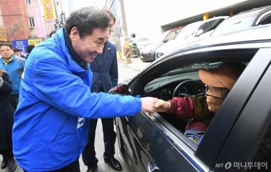 [사진]종로 숭인동 주민 만난 이낙연 전 총리