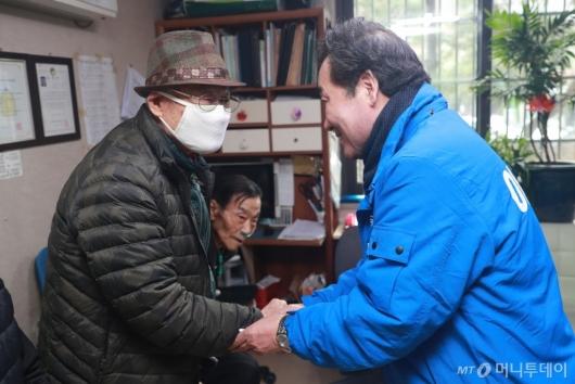 [사진]종로구 경로당 찾은 이낙연 전 총리