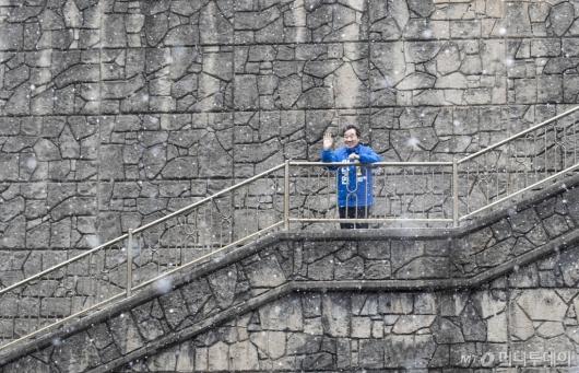 [사진]이낙연, 낙후지역 관광지 개발 위한 현장 방문