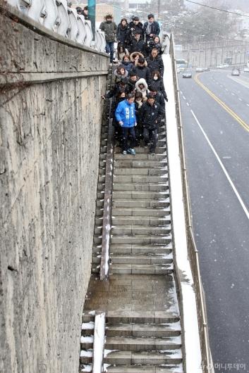 [사진]부암동 계단 찾은 이낙연